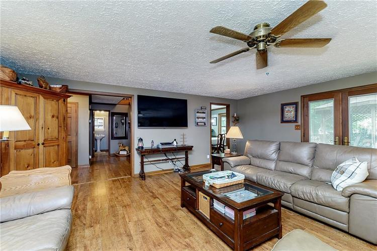 11318 Bloomfield Court Indianapolis IN 46259 | MLS 21720051 | photo 15