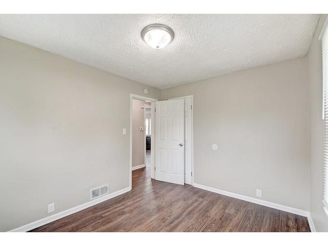 2211 English Avenue Indianapolis IN 46201 | MLS 21720219 | photo 16