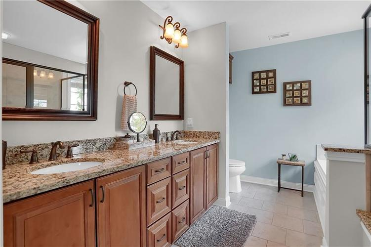 11574 Harvest Moon Drive Noblesville IN 46060 | MLS 21720236 | photo 19