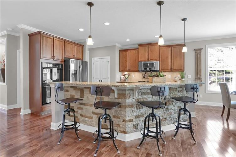 11574 Harvest Moon Drive Noblesville IN 46060 | MLS 21720236 | photo 2