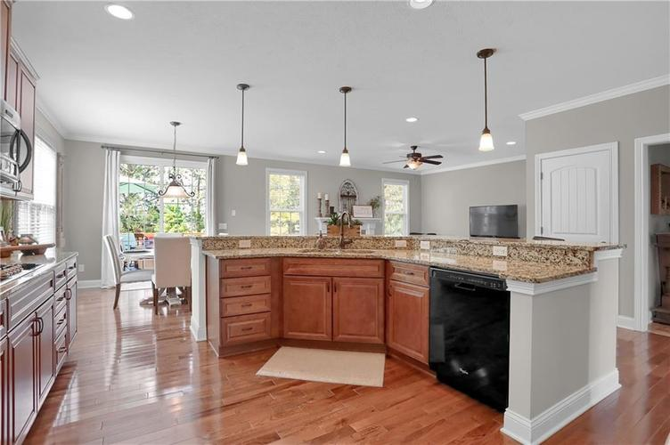 11574 Harvest Moon Drive Noblesville IN 46060 | MLS 21720236 | photo 4