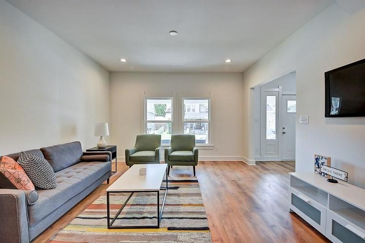 815 Eastern Avenue Indianapolis IN 46201 | MLS 21720335 | photo 10