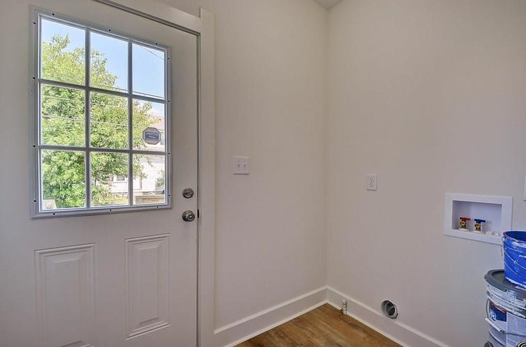 815 Eastern Avenue Indianapolis IN 46201 | MLS 21720335 | photo 21