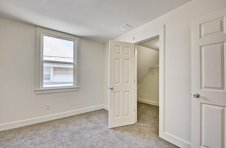 815 Eastern Avenue Indianapolis IN 46201 | MLS 21720335 | photo 27
