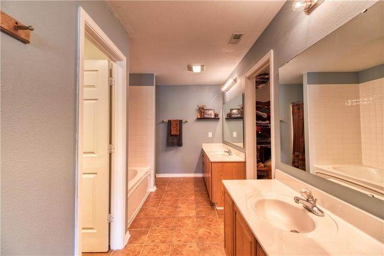 6330 E Runnymede Court Camby IN 46113 | MLS 21720336 | photo 21