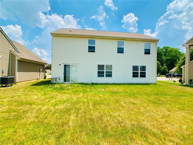 8515 Sotheby Drive Indianapolis IN 46239   MLS 21720371   photo 12