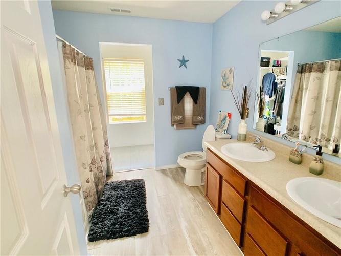 8515 Sotheby Drive Indianapolis IN 46239   MLS 21720371   photo 7
