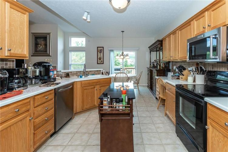 12546 Crystal Pointe Drive Indianapolis IN 46236 | MLS 21720540 | photo 11