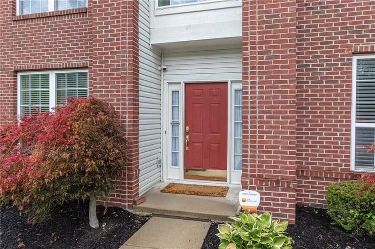 12546 Crystal Pointe Drive Indianapolis IN 46236 | MLS 21720540 | photo 2