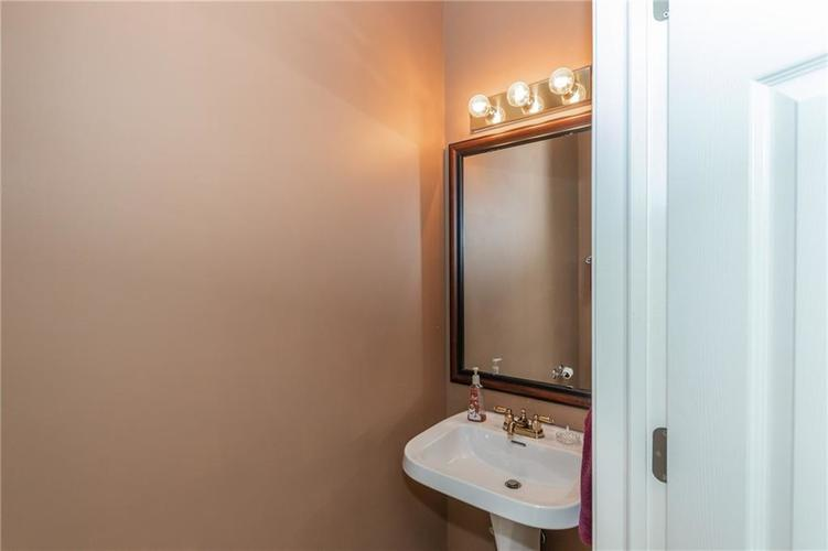 12546 Crystal Pointe Drive Indianapolis IN 46236 | MLS 21720540 | photo 23