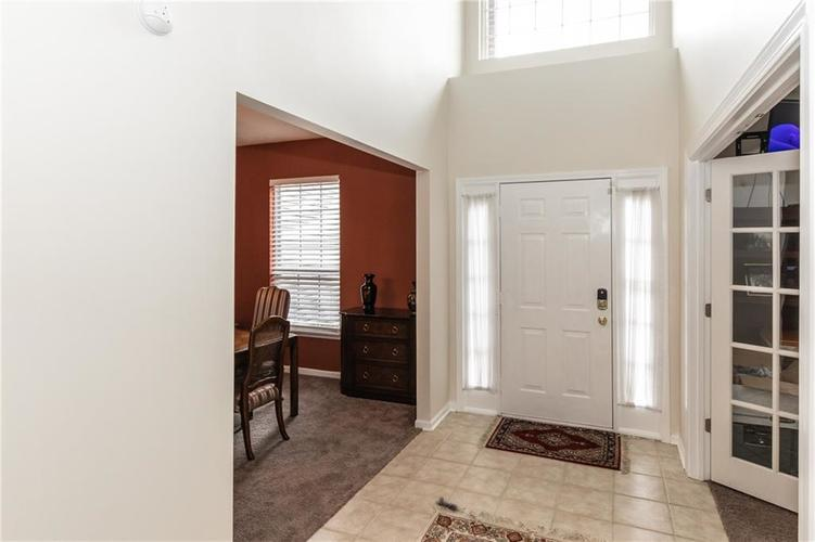 12546 Crystal Pointe Drive Indianapolis IN 46236 | MLS 21720540 | photo 3