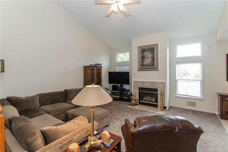 12546 Crystal Pointe Drive Indianapolis IN 46236 | MLS 21720540 | photo 8
