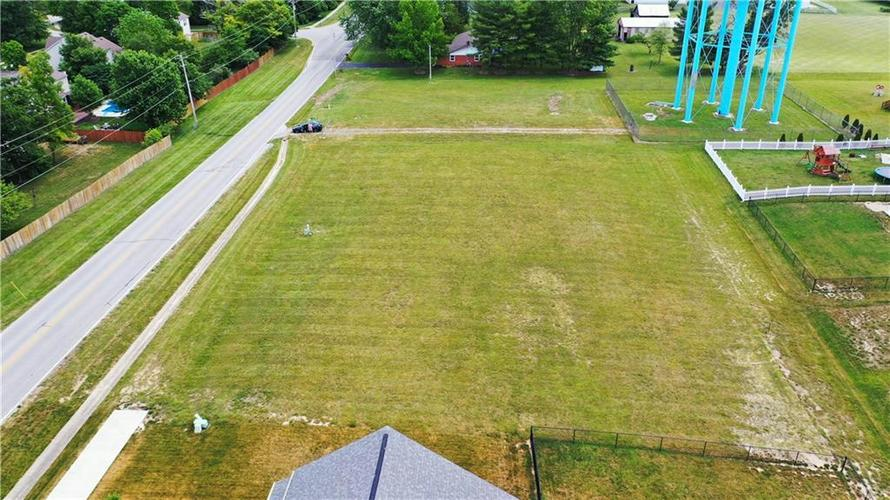 1207 W CURRY Road Greenwood IN 46143   MLS 21720587   photo 4