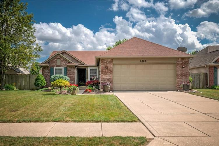 6323 Brooks Bend Boulevard Indianapolis IN 46237 | MLS 21720614 | photo 1