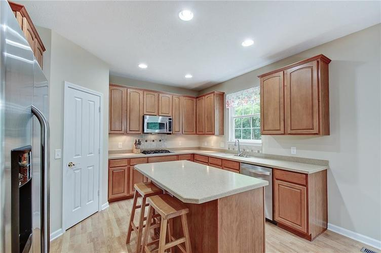 13752 Wendessa Drive Fishers IN 46038 | MLS 21720641 | photo 12