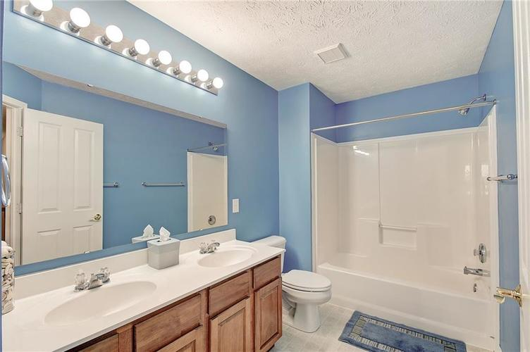 13752 Wendessa Drive Fishers IN 46038 | MLS 21720641 | photo 36