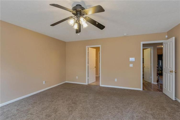 10817 Greenleaf Drive Indianapolis IN 46229 | MLS 21720649 | photo 12