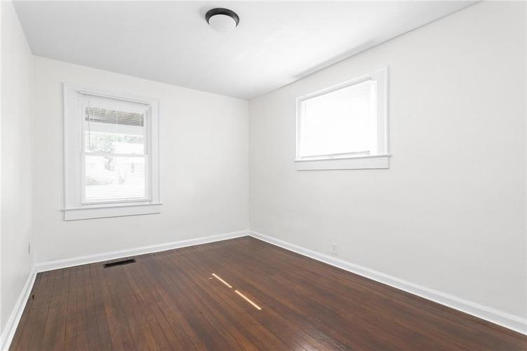 3921 E 11th Street Indianapolis IN 46201 | MLS 21720699 | photo 12
