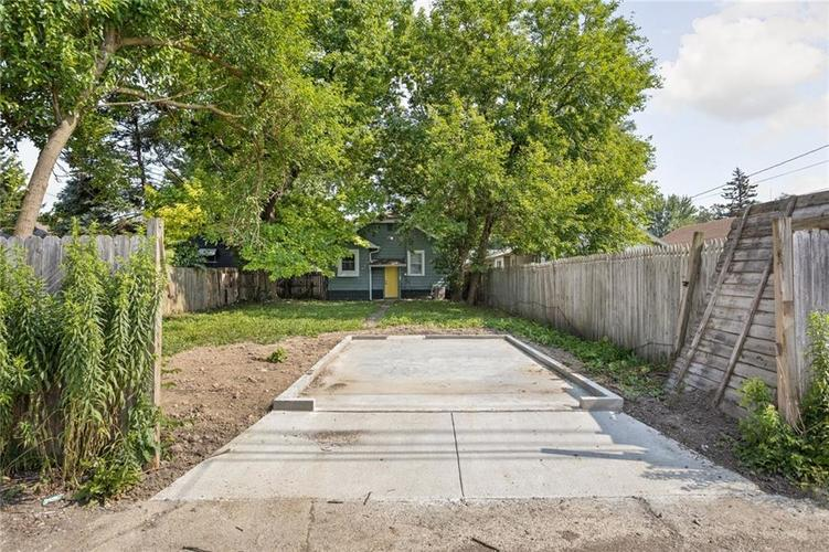3921 E 11th Street Indianapolis IN 46201 | MLS 21720699 | photo 13