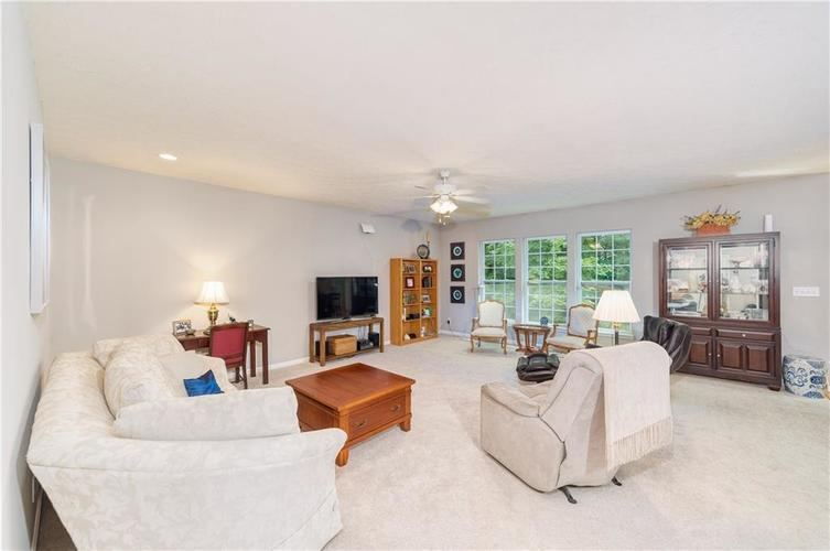 6723 Colville Place Indianapolis IN 46236 | MLS 21720807 | photo 11