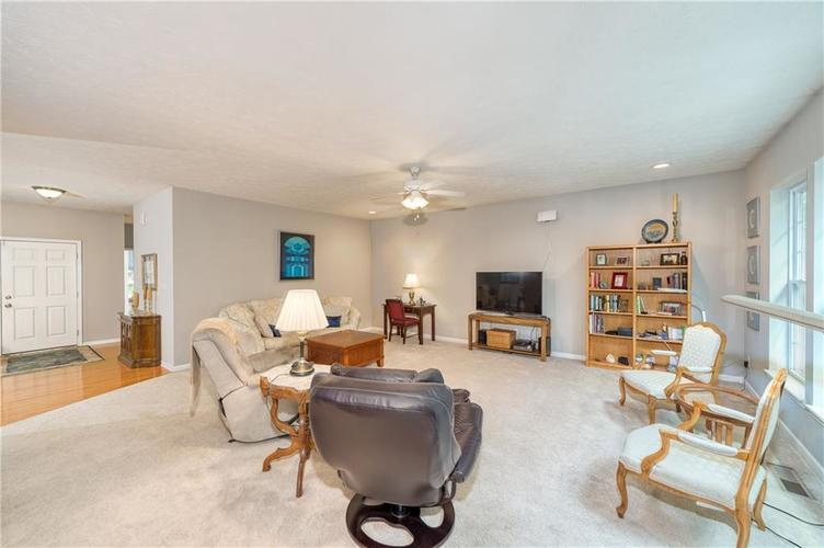 6723 Colville Place Indianapolis IN 46236 | MLS 21720807 | photo 12