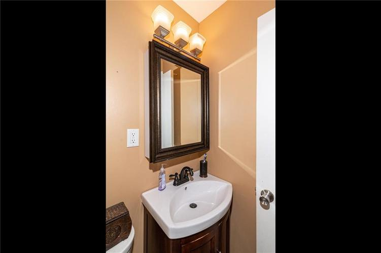 2915 Parr Drive Indianapolis IN 46220 | MLS 21720808 | photo 13