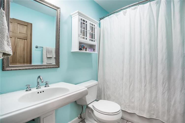 1808 E 64th Street SOUTH Drive Indianapolis IN 46220 | MLS 21720816 | photo 19