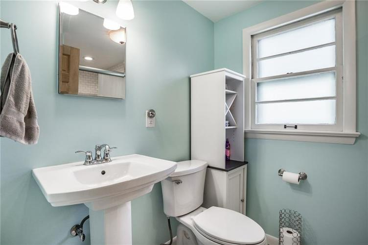 1808 E 64th Street SOUTH Drive Indianapolis IN 46220 | MLS 21720816 | photo 25