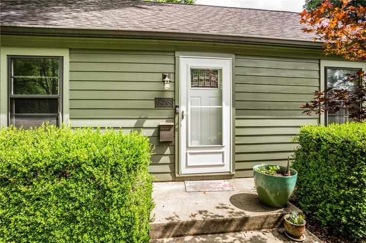 1808 E 64th Street SOUTH Drive Indianapolis IN 46220 | MLS 21720816 | photo 3