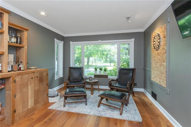 6330 Spring Mill Road Indianapolis IN 46260 | MLS 21720835 | photo 16