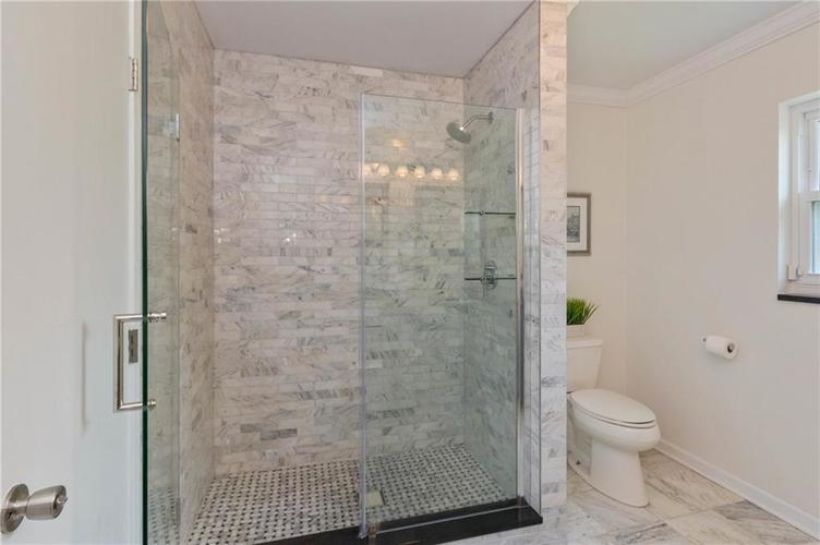 6330 Spring Mill Road Indianapolis IN 46260 | MLS 21720835 | photo 24
