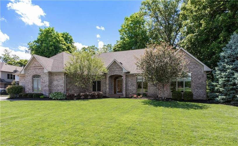 6004  Timber Bend Drive Avon, IN 46123 | MLS 21720865