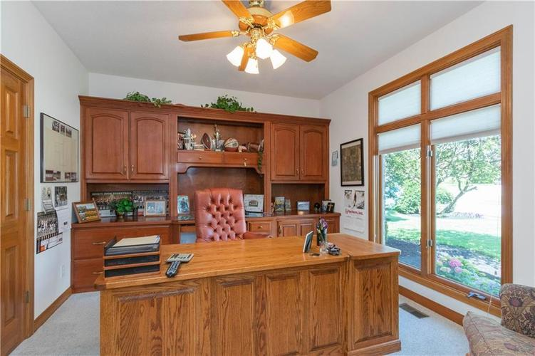 6004 Timber Bend Drive Avon IN 46123   MLS 21720865   photo 10