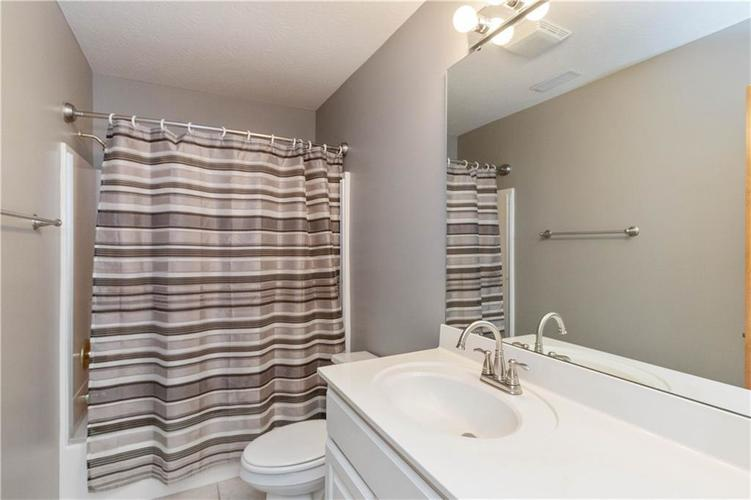 6004 Timber Bend Drive Avon IN 46123   MLS 21720865   photo 27