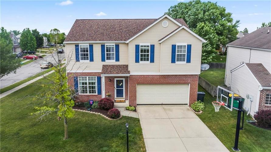 12252 Carriage Stone Drive Fishers IN 46038 | MLS 21720870 | photo 1