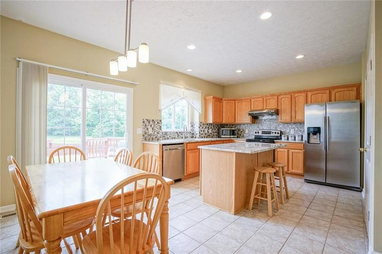 14393 Chariots Whisper Drive Westfield IN 46074 | MLS 21720878 | photo 10