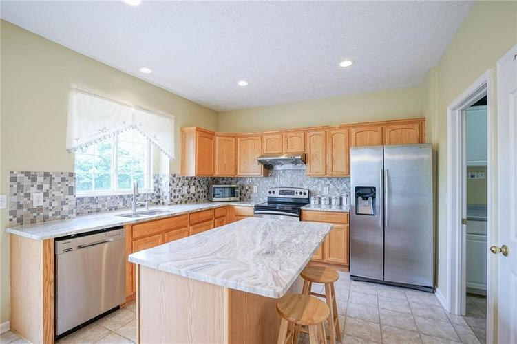 14393 Chariots Whisper Drive Westfield IN 46074 | MLS 21720878 | photo 12