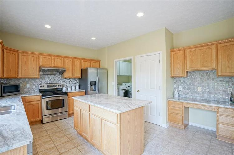 14393 Chariots Whisper Drive Westfield IN 46074 | MLS 21720878 | photo 13