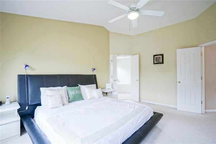 14393 Chariots Whisper Drive Westfield IN 46074 | MLS 21720878 | photo 21