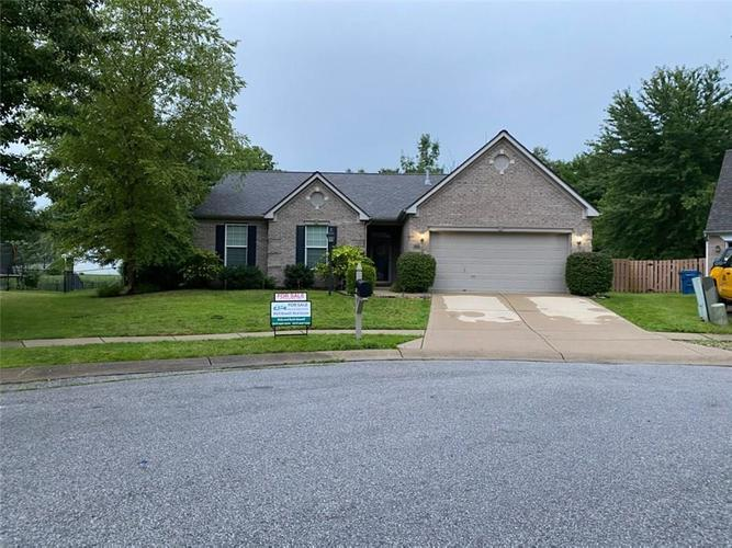 6219 MAPLE BRANCH Place Indianapolis IN 46221 | MLS 21720954 | photo 1
