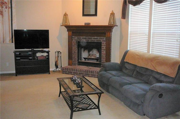 6219 MAPLE BRANCH Place Indianapolis IN 46221 | MLS 21720954 | photo 12