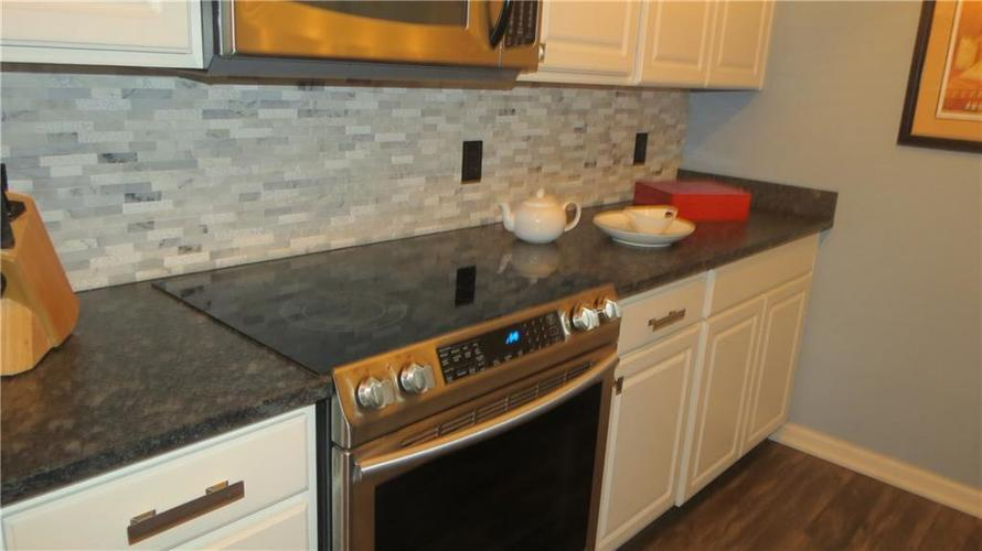 6524 Emerald Hill Unit 208 Court Indianapolis IN 46237   MLS 21721101   photo 3