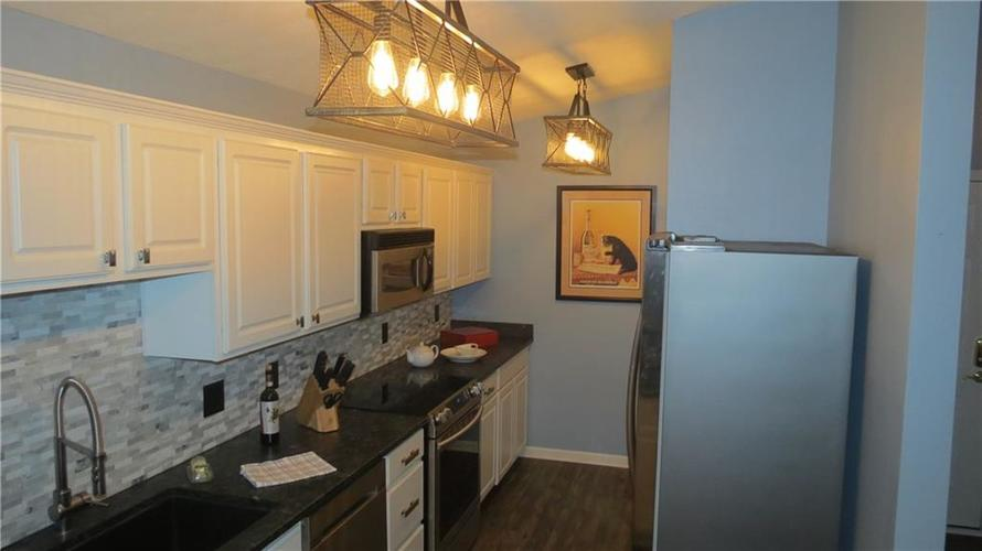6524 Emerald Hill Unit 208 Court Indianapolis IN 46237   MLS 21721101   photo 5