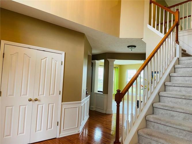 1584 CHARITY CHASE Drive Carmel IN 46074 | MLS 21721120 | photo 10