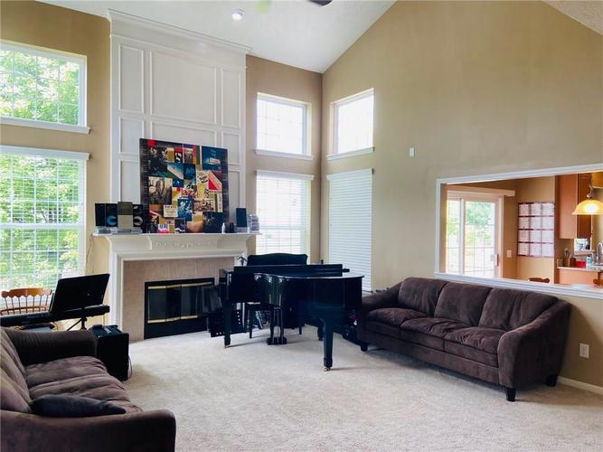 1584 CHARITY CHASE Drive Carmel IN 46074 | MLS 21721120 | photo 13
