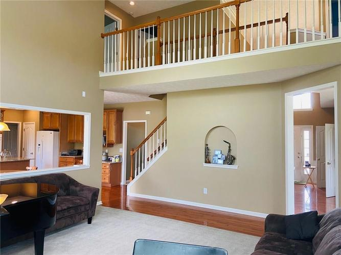 1584 CHARITY CHASE Drive Carmel IN 46074 | MLS 21721120 | photo 15