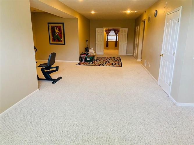 1584 CHARITY CHASE Drive Carmel IN 46074 | MLS 21721120 | photo 40