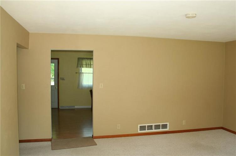 4230 N County Road 185 E Connersville IN 47331 | MLS 21721136 | photo 3