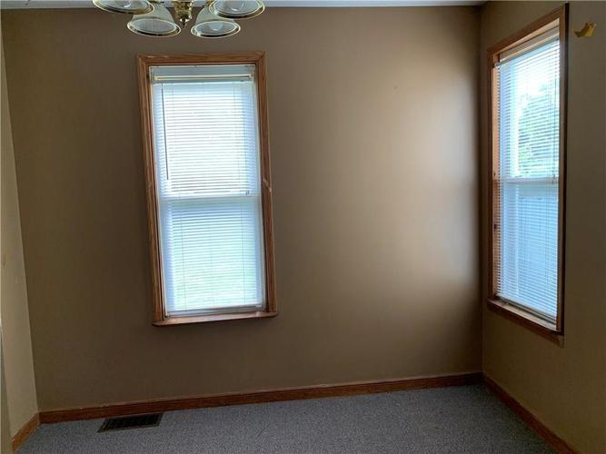 922 Cottage Avenue Indianapolis IN 46203 | MLS 21721146 | photo 3