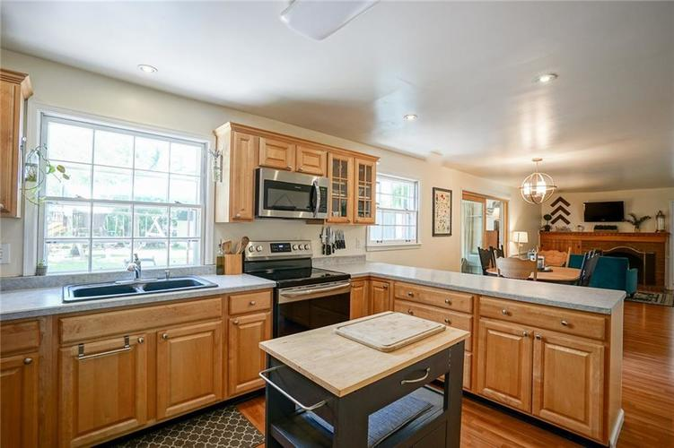 3243 W 46TH Street Indianapolis IN 46228 | MLS 21721198 | photo 17